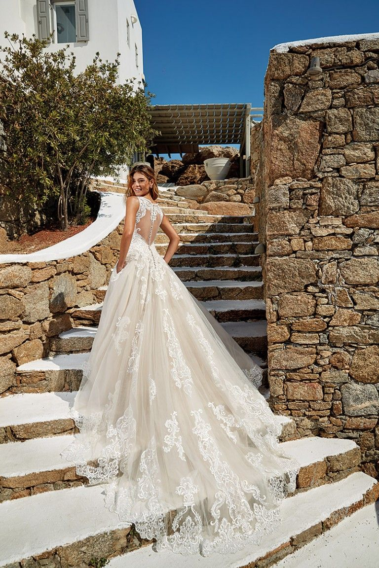 10 Wedding Dress Designers You Will Love Find Perfect Wedding Dress Designer Wedding Dresses Bridal Dresses