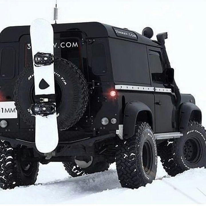 Land Rover Defender 90 Icon. Black Snowboarding
