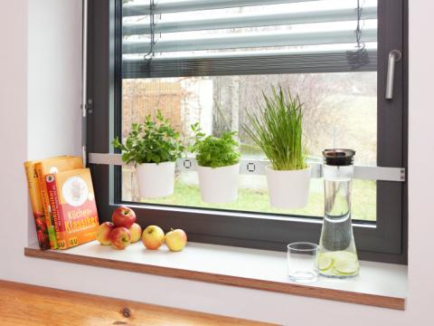 Kräuter in der Küche | Küche | Pinterest | Kräuter, Fensterbrett und ...