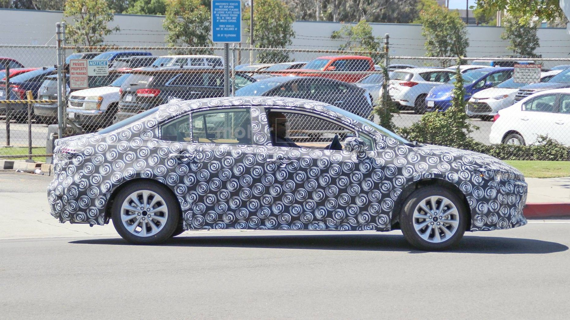 2020 New Toyota Avensis Spy Shots Pictures