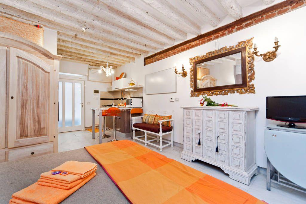 SMALL, COZY, CHEAP APARTMENT STUDIO   Apartments For Rent In Venezia: Cheap