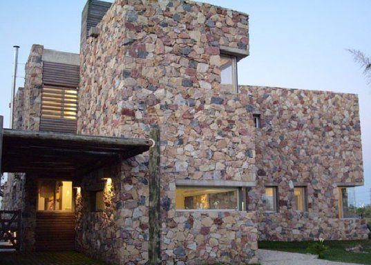 Resultado De Imagen Para Fachadas De Piedra Fachada De Piedra Casas De Piedra Diseño De Casa De Madera