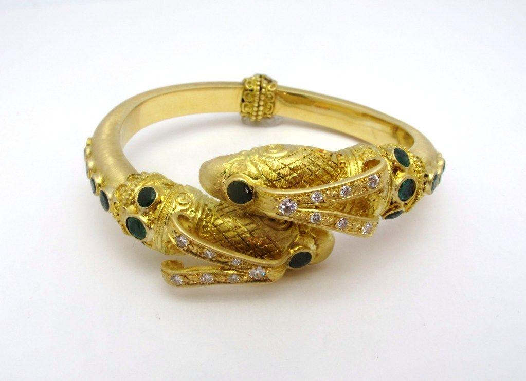 Zolotas Eagle S Head Diamond And Emerald Bracelet 1stdibs Com Emerald Bracelet Antique Bracelets Vintage Cuff Bracelet