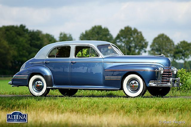 1941 oldsmobile 98 custom cruiser 4 door sedan
