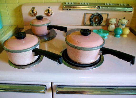 Vintage 1950s Kitchen Pink Set of Aluminum Club Pots with Lids ...