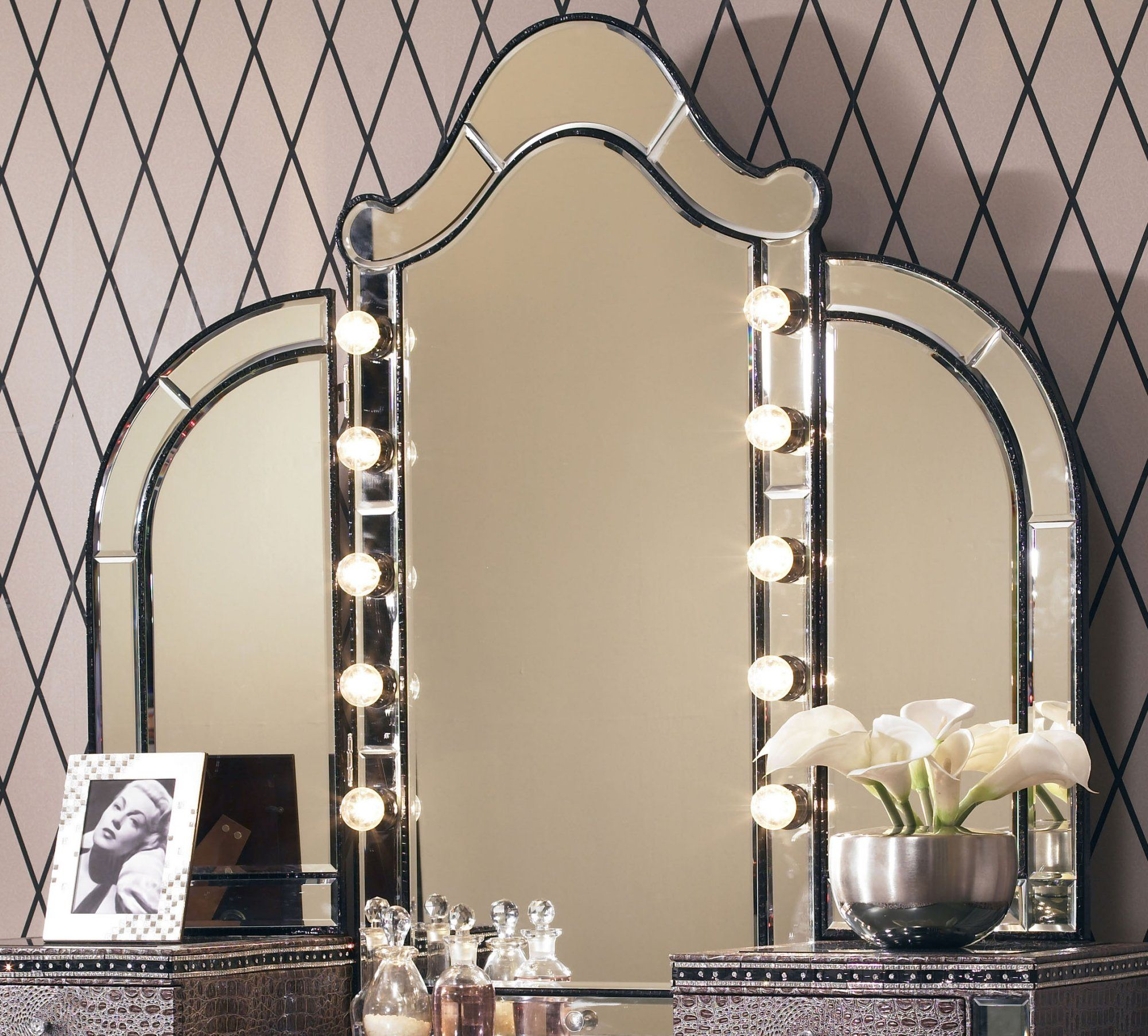 Tri fold mirror with lights home ideas diy vanity - Bedroom vanity mirror with lights ...