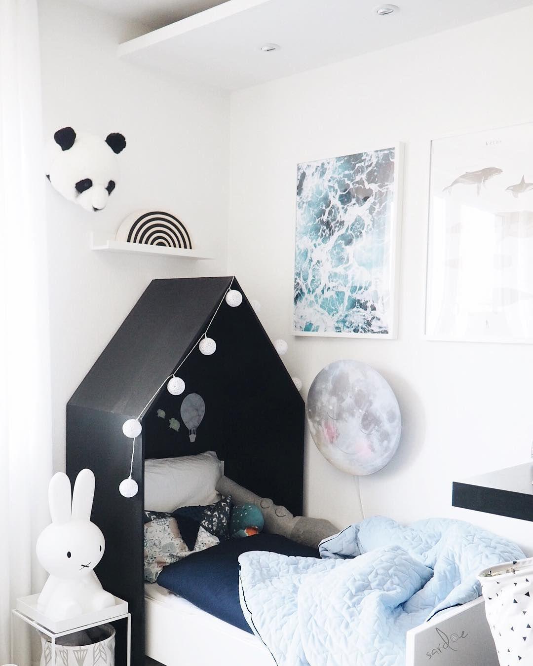 #Kinderzimmer   #Boysroom   #Jungszimmer   #Juniorbett   #Hausbett    #Kopfteil   #Hartendief   #Mond #Lampe   #Miffy   #MrMaria   #Hay  #Nachttisch   #Sebra ...