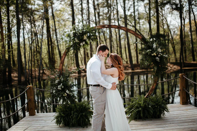 The Dock Weddings And Events West Tennessee Memphis Wedding Venue Tennessee Tn 38305 In 2020 Dock Wedding Memphis Weddings Memphis Wedding Venue