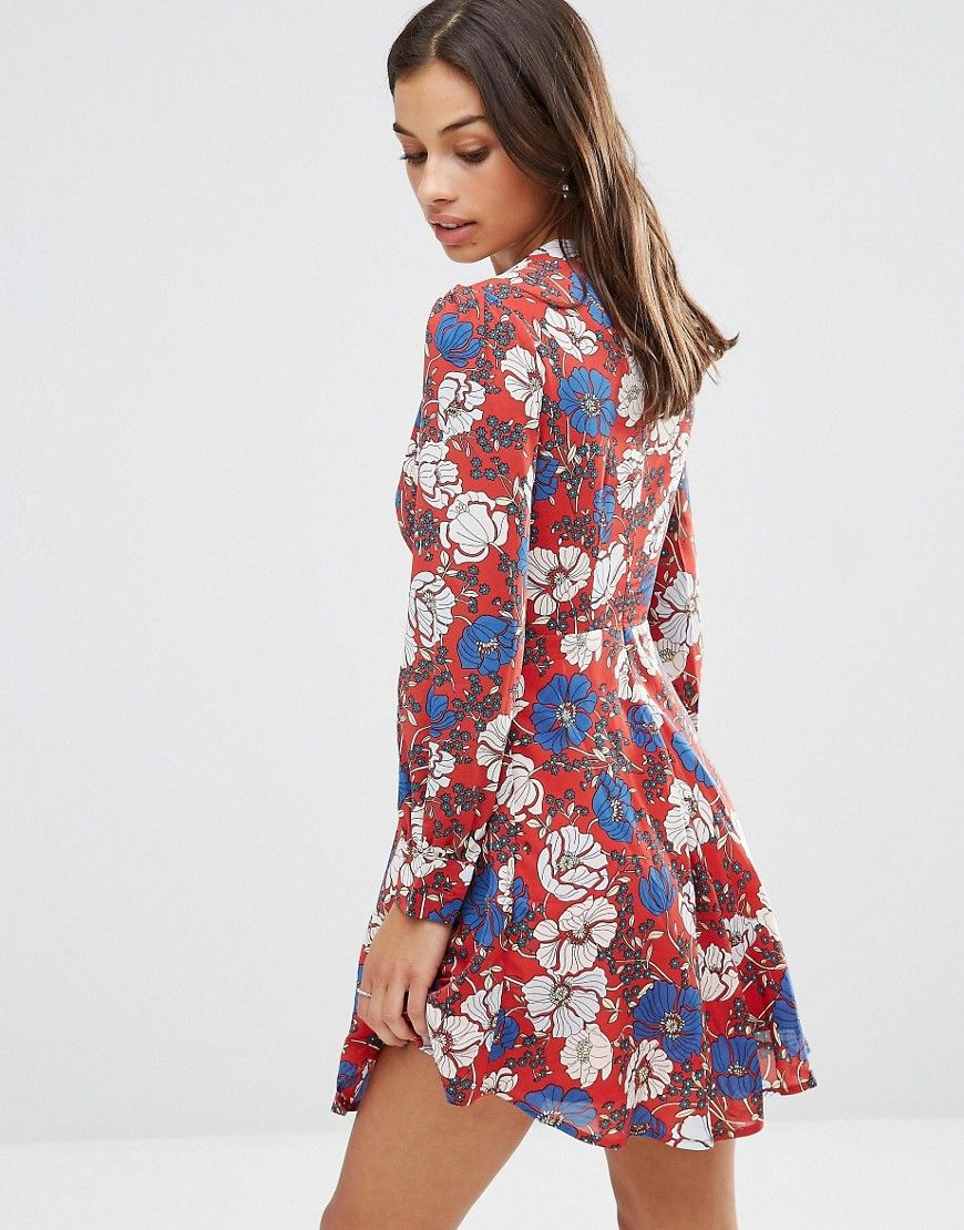 aa8fde99472 Image 3 of Glamorous Petite Long Sleeve Plunge Front Floral Skater Dress