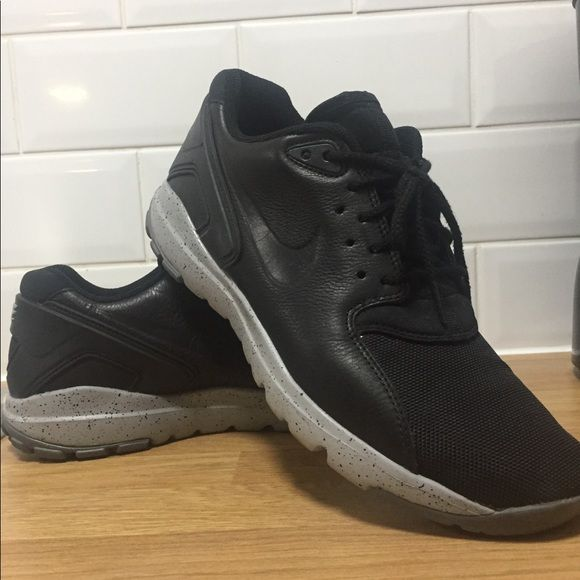 official photos ce08e 4175a Like new size 10.5 Men s Nike ACG Koth Ultra Low Seamlessly transition from  the street to