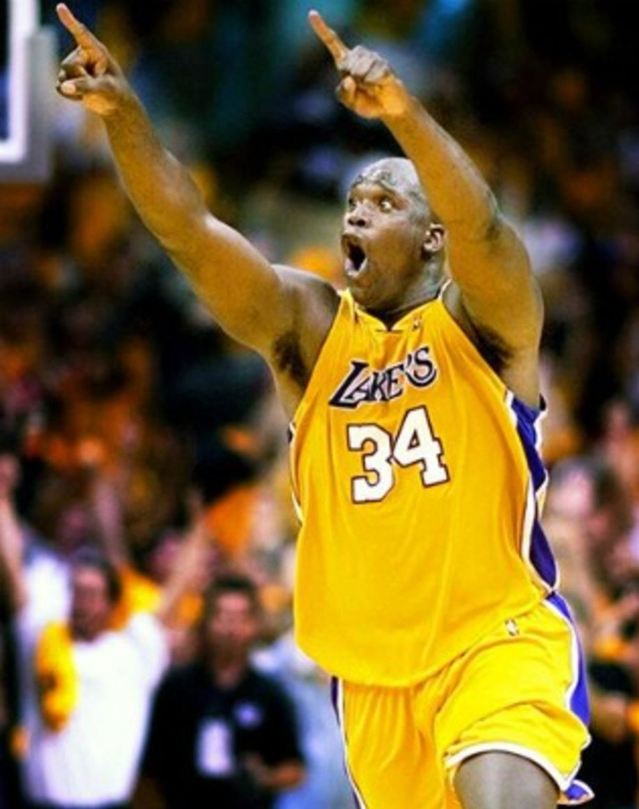The Most Iconic Photos In Nba Playoffs History In 2020 Shaquille O Neal Shaq Lakers Nba Players