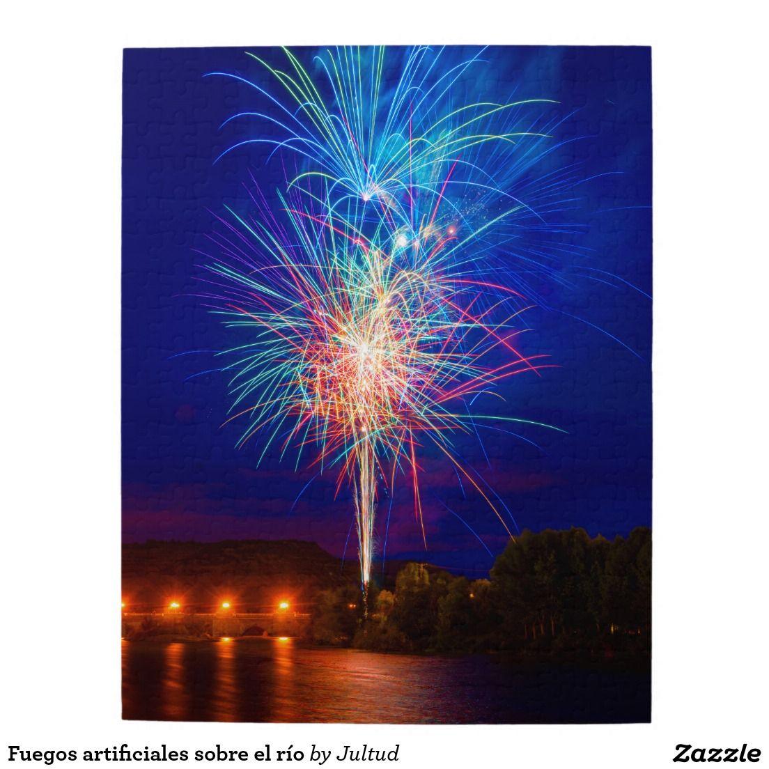 Fuegos artificiales sobre el río puzzles con fotos