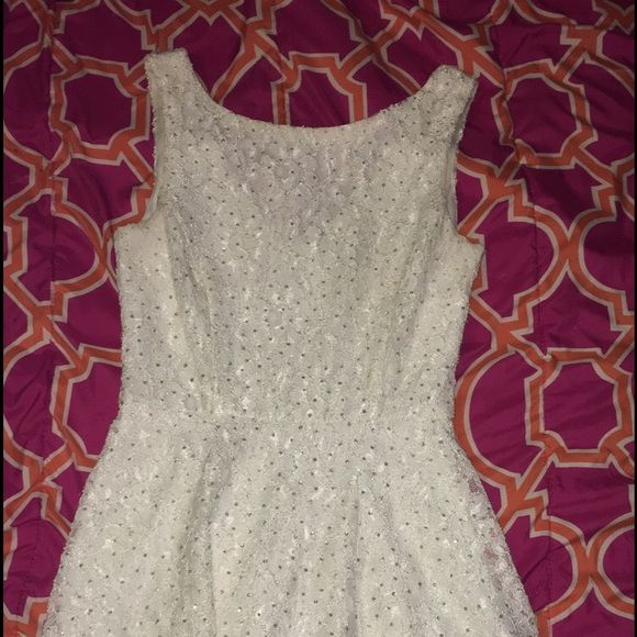 White lace dress. Worn once. Very comfy! Dresses Mini