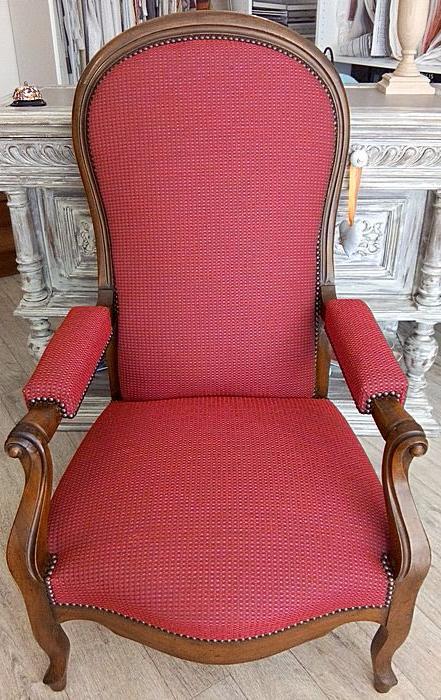 les belles assises septembre 2016 r fection d 39 un fauteuil voltaire cr maill re de style. Black Bedroom Furniture Sets. Home Design Ideas
