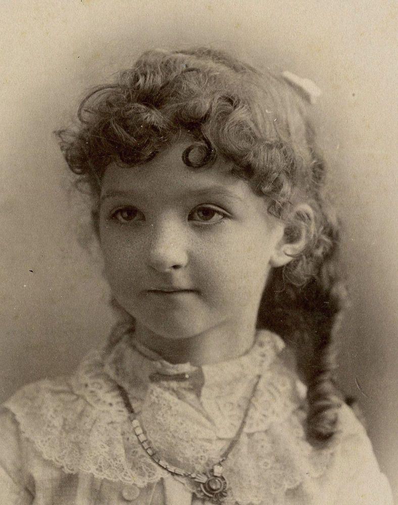 CABINET CARD,Vintage Photo,Beautiful Little Girl, Detroit, MI