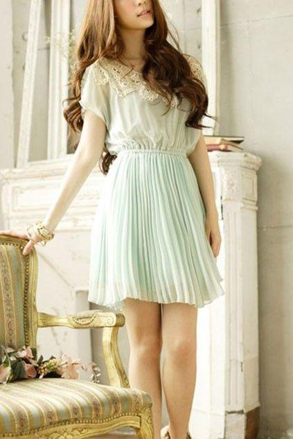 Sweet Round Lace Neckline Short Sleeve Pleated Chiffon Dress