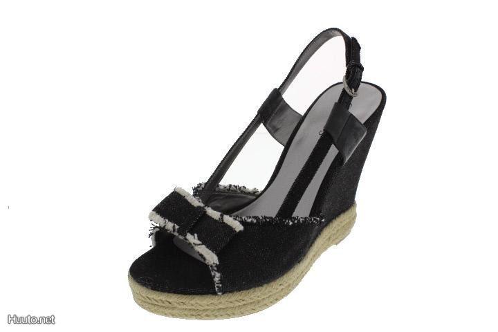 GUESS -sandaalit