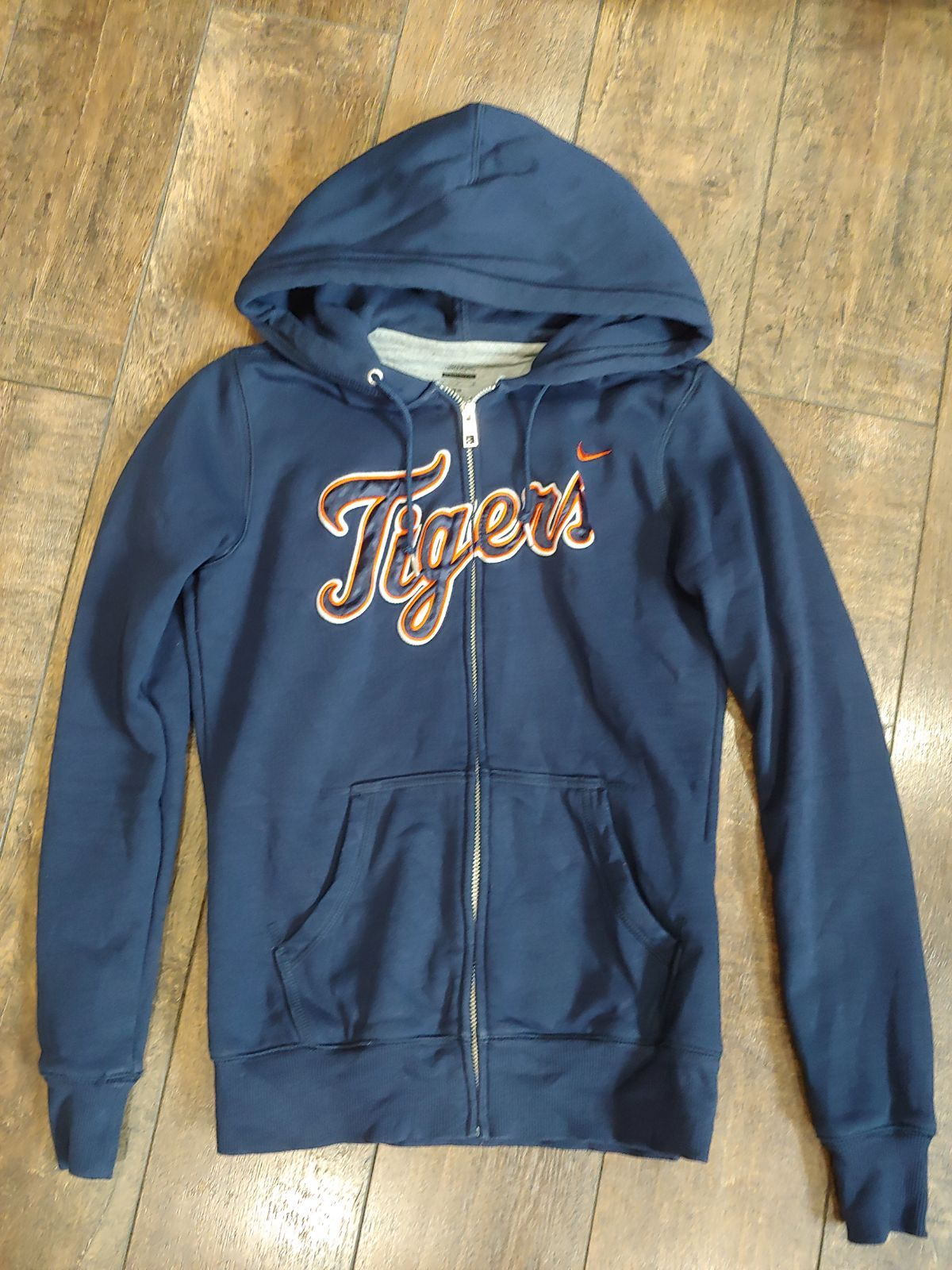 Nike Detroit Tigers Sweatshirt On Mercari Tiger Sweatshirt Sweatshirts Hoodies Womens [ 1600 x 1200 Pixel ]