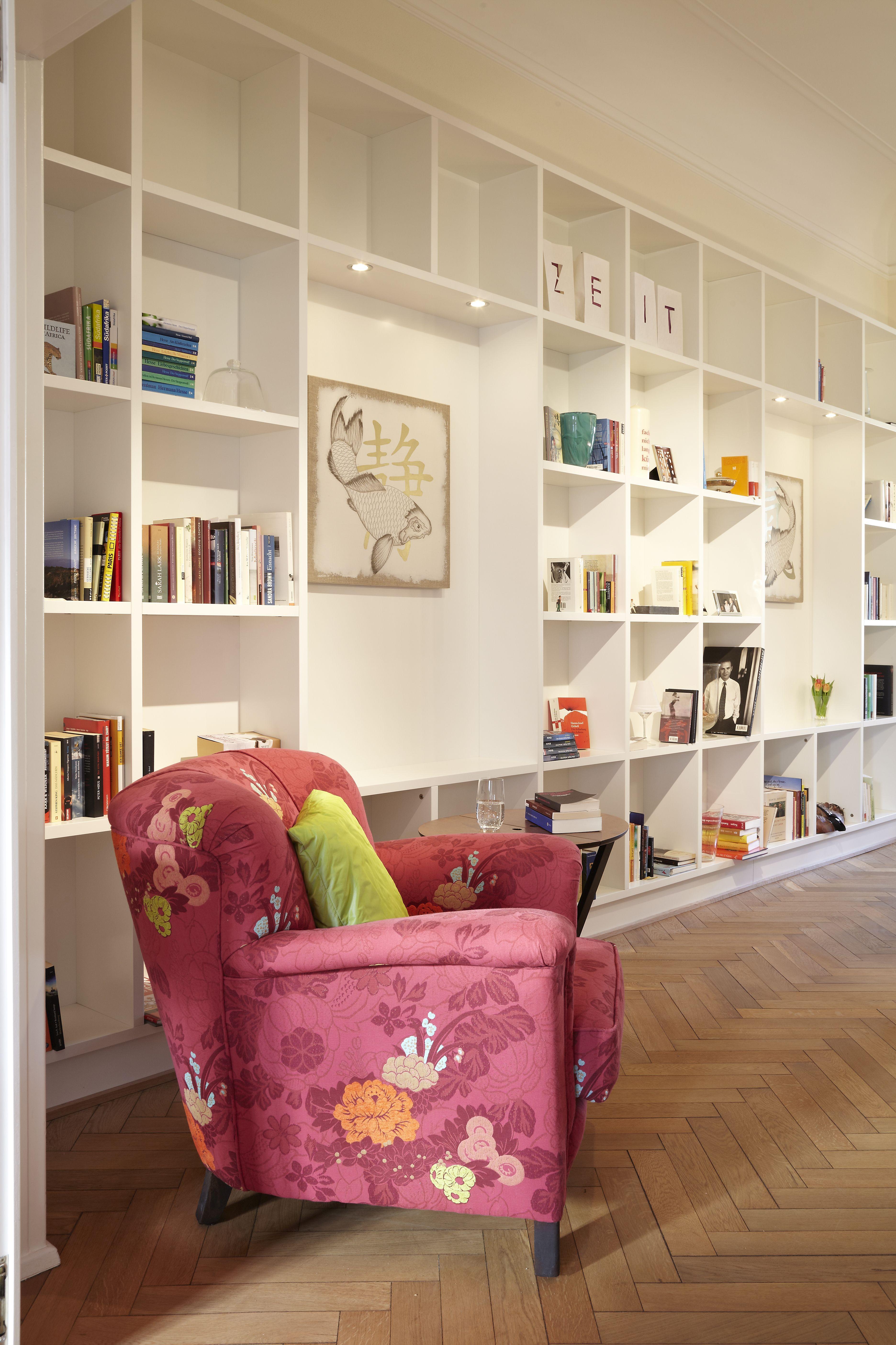 chancenreichtum im denkmalschutz bibliothekswand mit integrierter schallschutzoptimierung. Black Bedroom Furniture Sets. Home Design Ideas