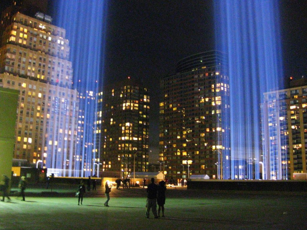 World Trade Center Tribute In Light Memorial Photos Tower - Two beams light new yorks skyline beautiful tribute 911