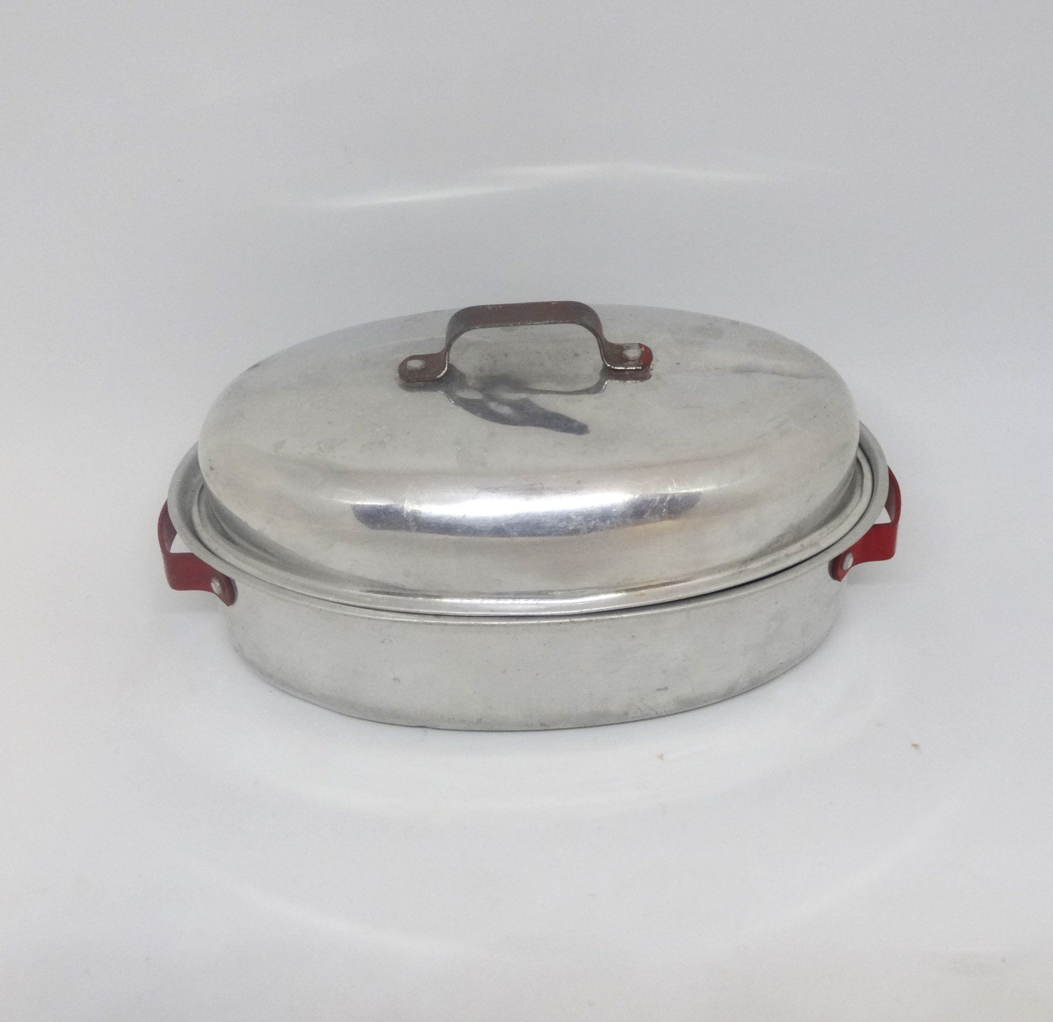 Aluminum toy roasting pan with lid and red handles 6