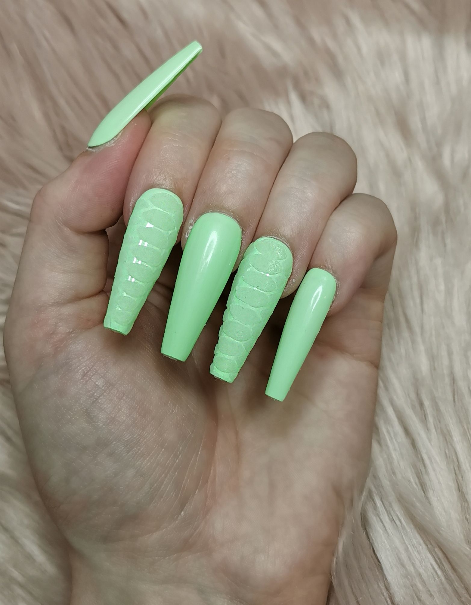 Neon Green Snake Print Press On Nails Custom Sizes Available In 2020 Press On Nails Glue On Nails Snake Print
