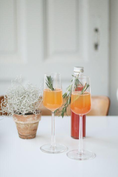 Rezept für weihnachtlichen Aperol Spritz #alcoholicpartydrinks