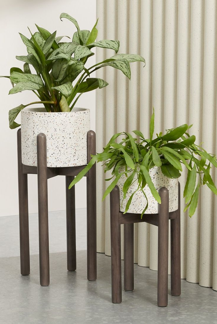 Save Spend Splurge Standing Planters In 2020 Easy Home Decor Indoor Plant Pots Plant Stand Indoor