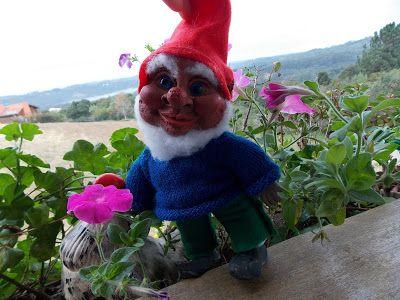 gnomos em serragem http://elianeapkroker.blogspot.com.br/