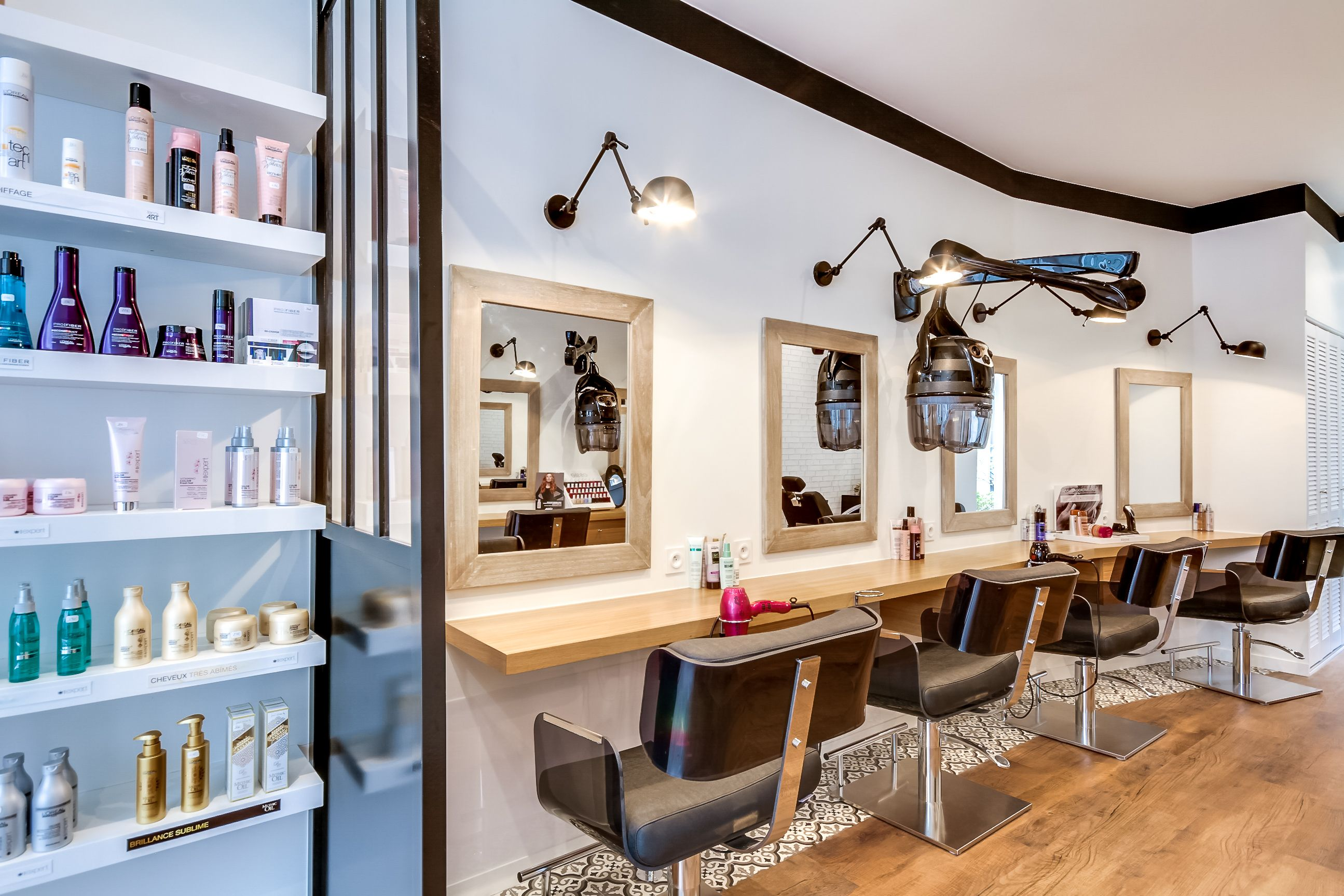 Rénovation totale d'un Salon de coiffure. Paris. Création
