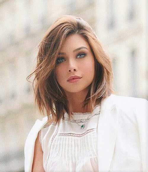Photo of Best pictures of layered short hair for round face
