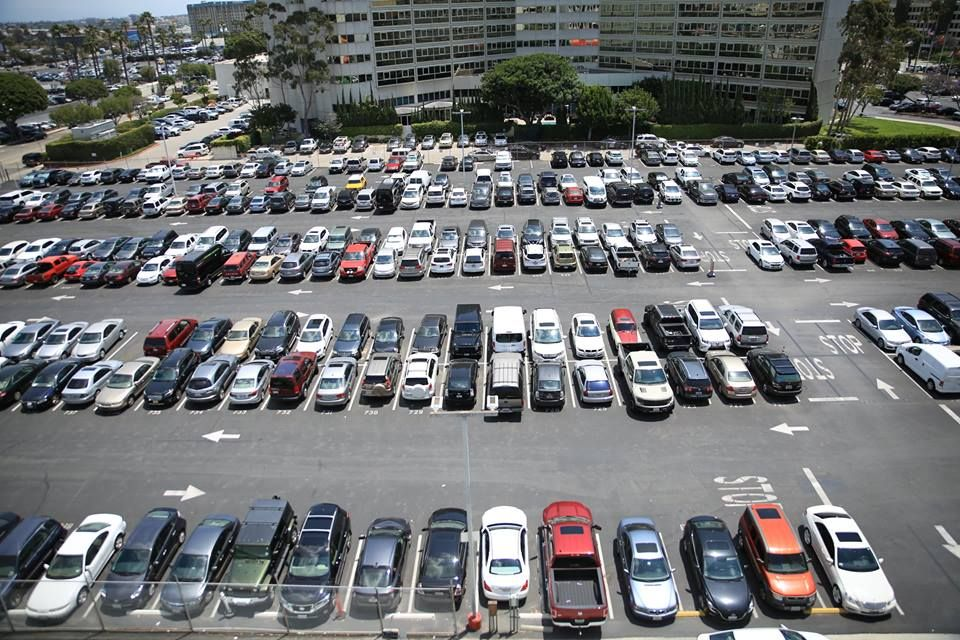 Lax Airport Long Term Parking Enjoy Fast And Best Services At Lax Airport Parking Lots We Offer Free Shuttle Ser Los Angeles Airport Airport Parking Airport