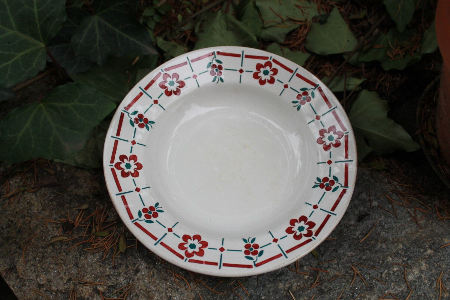 Antique french white ceramic plate, with edging green checkered. Typically French! Very old, French original di Santalvenerdi su Etsy