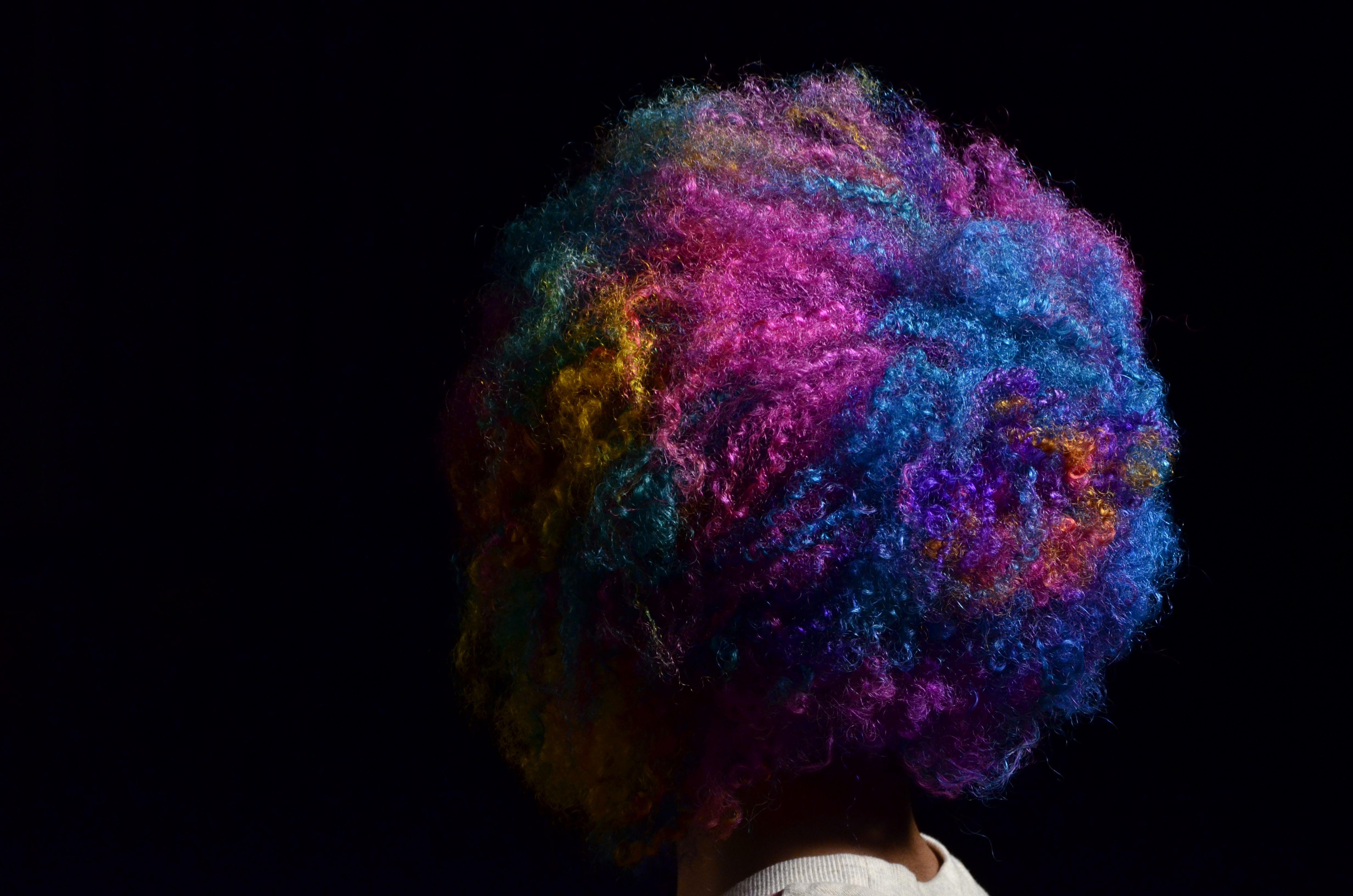 Esse cabelo é tão lindo que fazemos questão de postar pra sempre! ❤ Tbt desse editorial maravilhoso #walkthisway com cor feita pela @babisodc13 e make da @ellasaldanha do Circus Augusta. A modelo é a poderosa @marinaveneta 🍭 #tbt #cabeloscoloridos #colornocircus #colorhair #circusaugusta #circus #walkthisway #circushair
