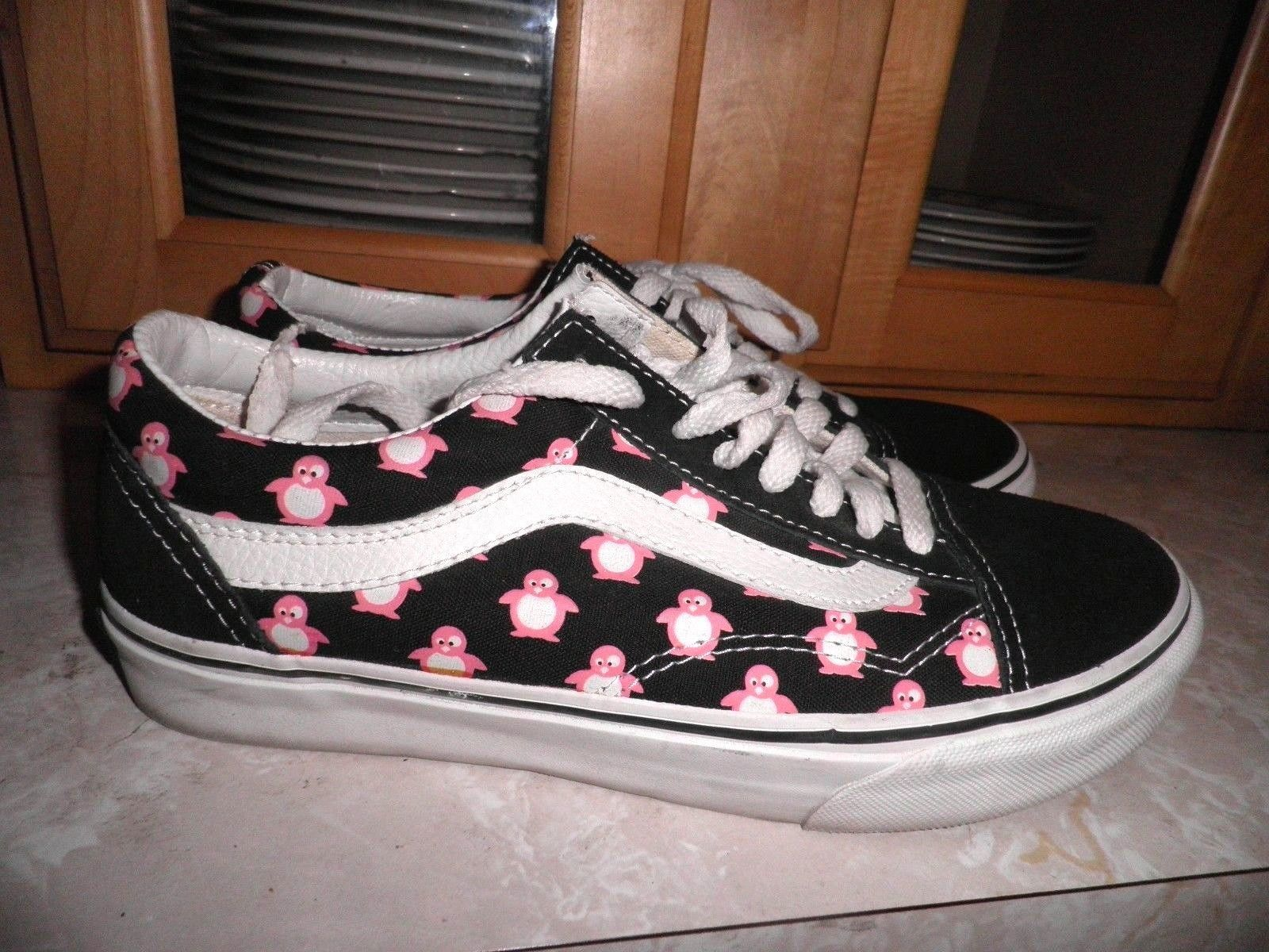 53941879b93 Very Rare Vans Sk8 Lo Pink Penguin Shoes EUC Womens Size 9