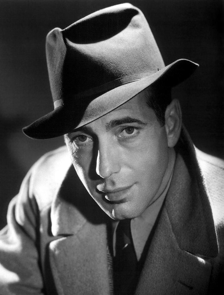 Humphrey Bogart - by George Hurrell - Hurrell developed the classic movie  star headshot from the the 20 s through the 40 s. After the war his classic  style ... 800282955c00