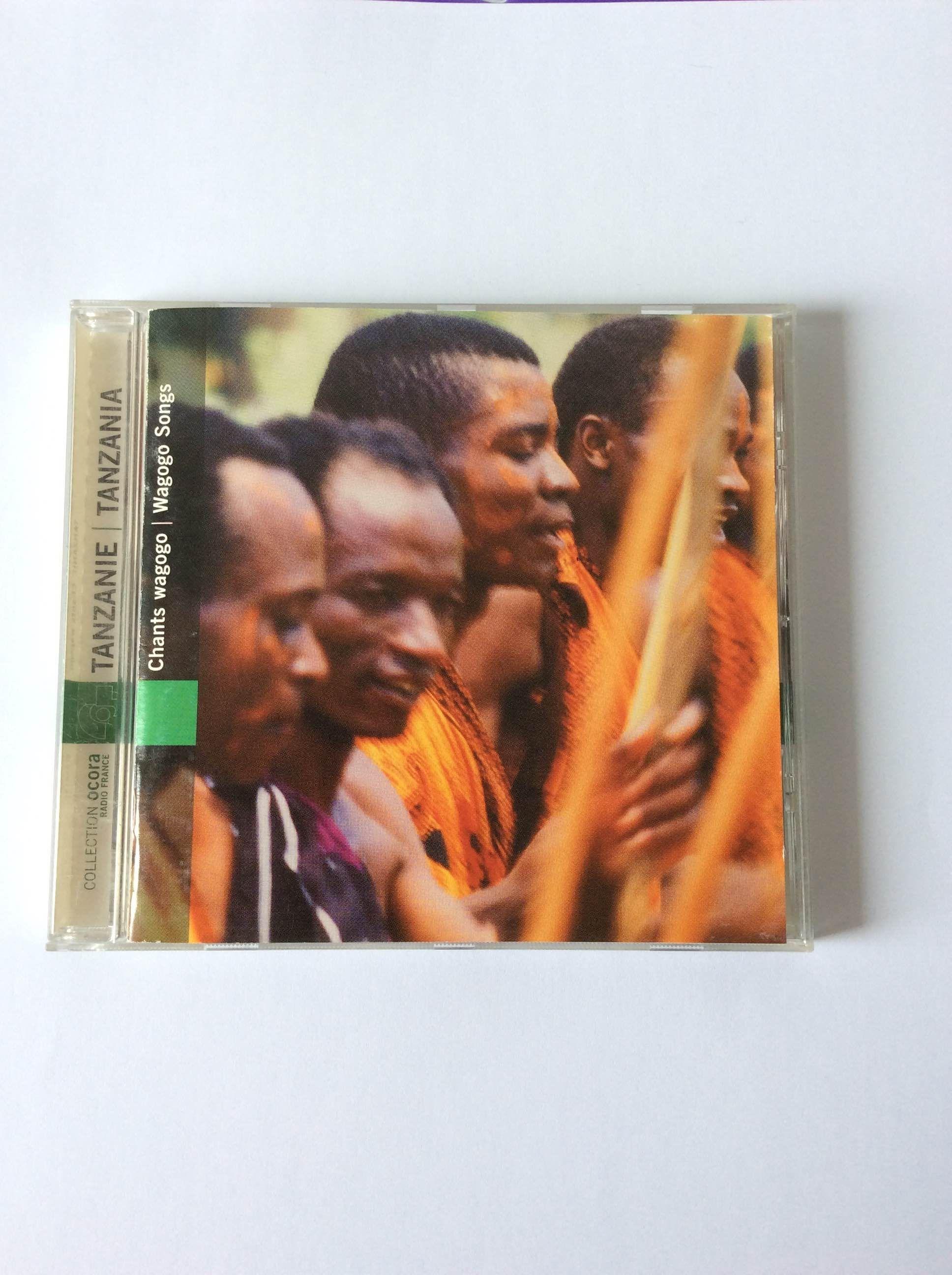 Una grabación de cantos africanos donde hallar nuevas pistas sobre cuestiones en torno a la polifonía, con el plus de conocer hábitos musicales de otras culturas.  Estudio de Polo Vallejo, en cuya página encontramos la noticia de la próxima visita de los Wagogo a Madrid: http://www.polovallejo.com/portfolio/los-wagogo-de-tanzania-nos-visitan-en-noviembre-de-2016%E2%80%8F/