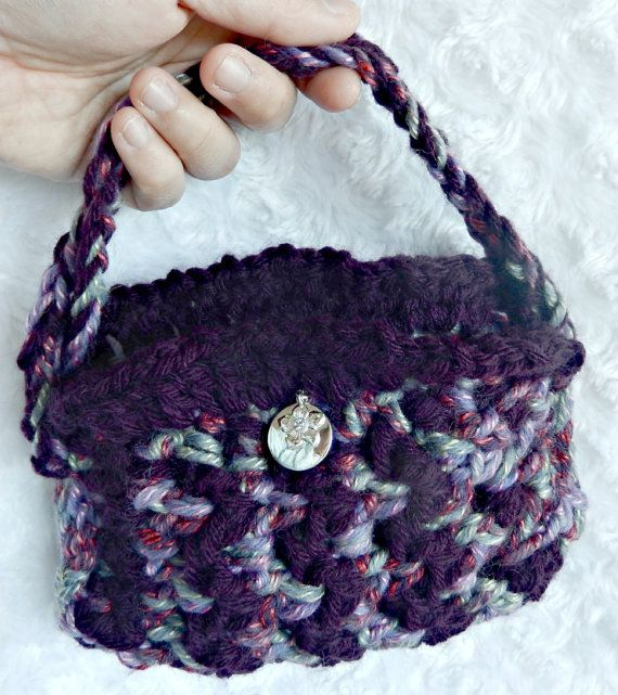 Crochet Handbag with flower accent by AnnaBelaArtistry on Etsy, $22.00