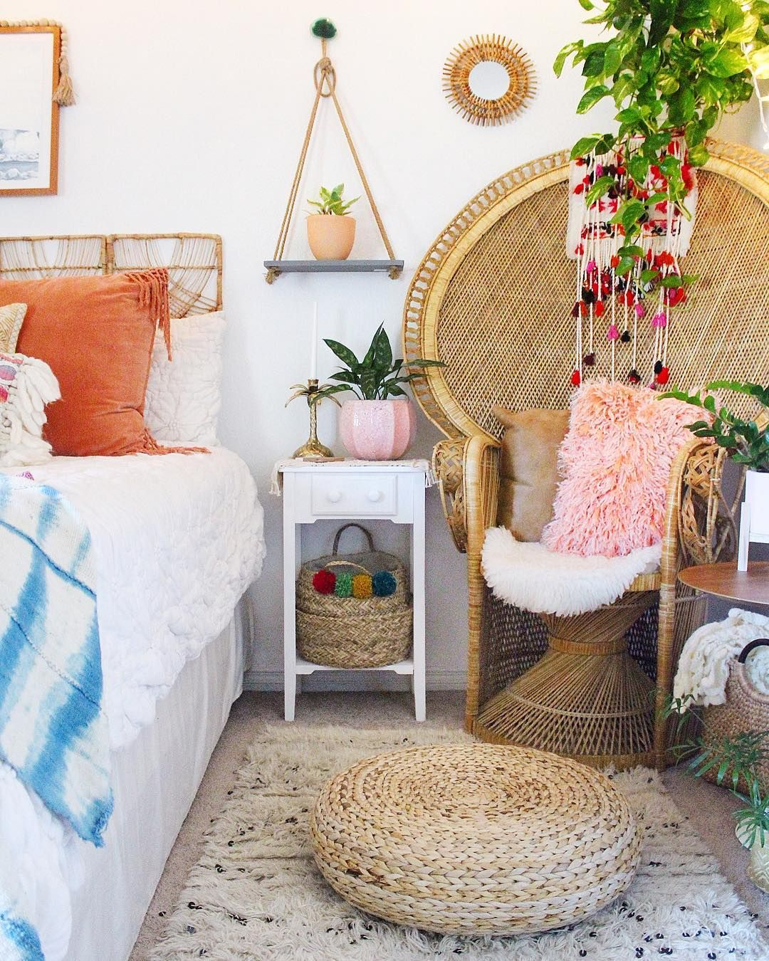The Best Colorful Bedroom Ideas We Found On Instagram Bedroom Vintage Bedroom Design Home Decor Bedroom