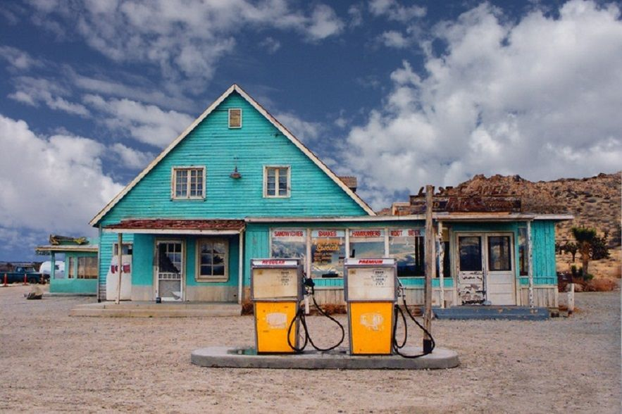 How do you locate Amoco gas stations?