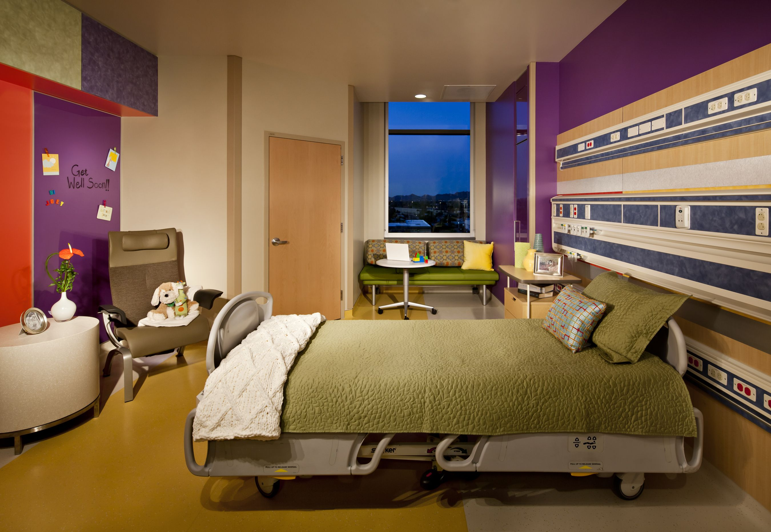 Phoenix children s hospital private room with nice colorful walls