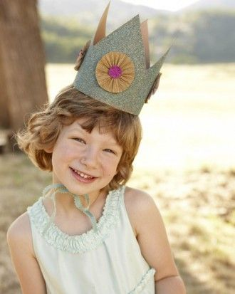 "See the ""Glitter Crown"" in our Good Things for Kids gallery"
