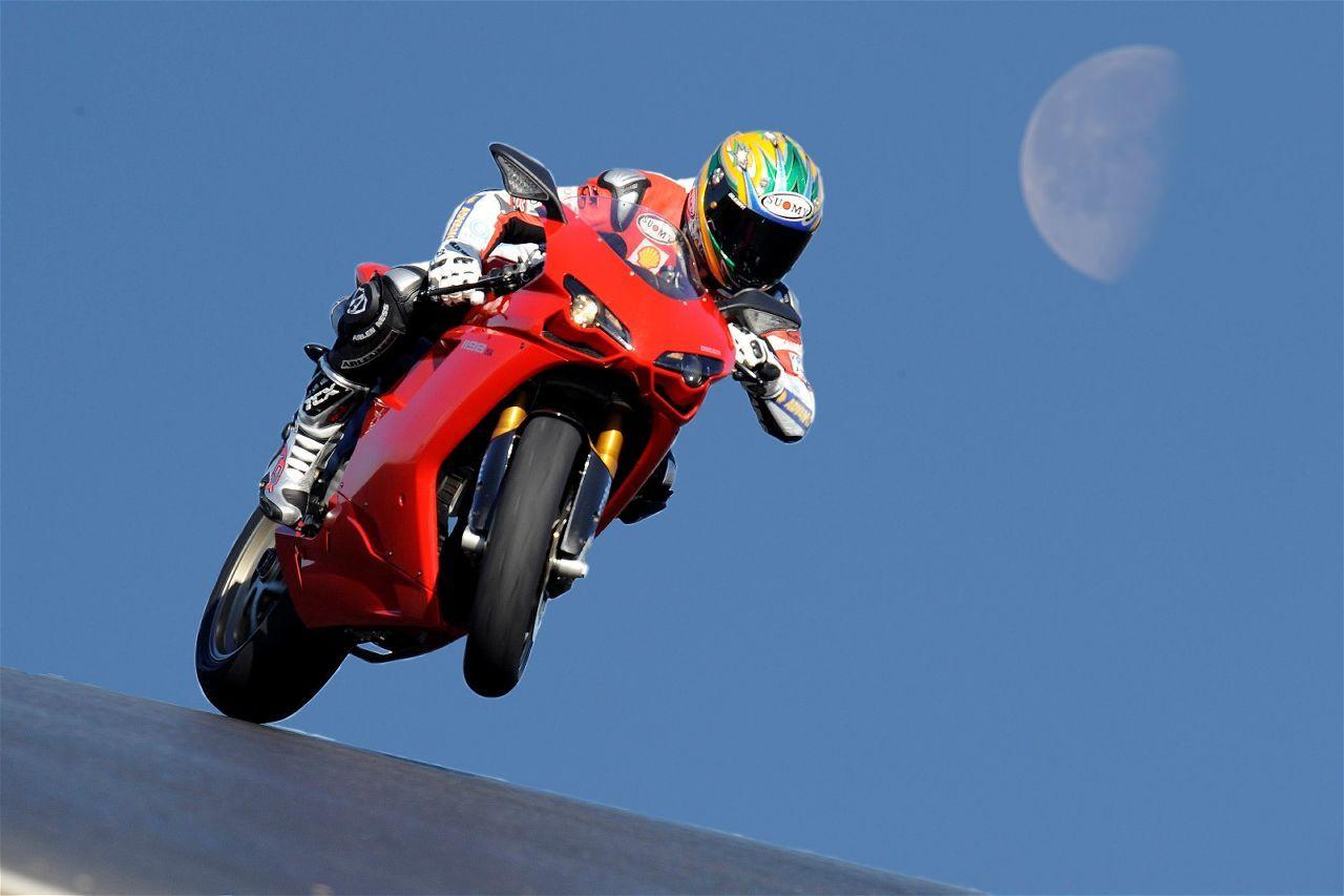 Ducati 1198s Racing Sport Bike: Ducati Bikes Background Hd Wallpapers