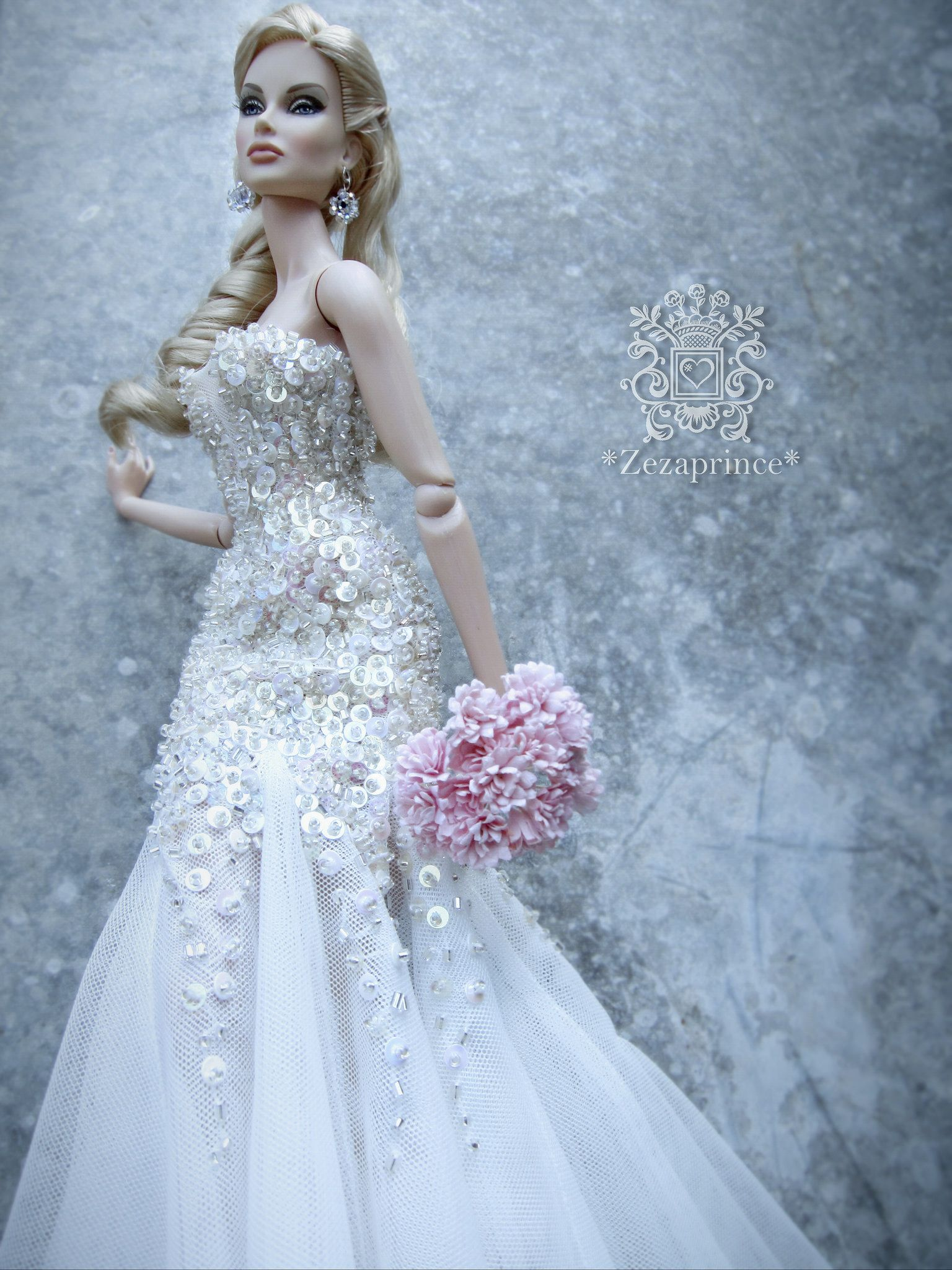 https://flic.kr/p/r679cq | Sin título | Wedding dresses for dolls ...