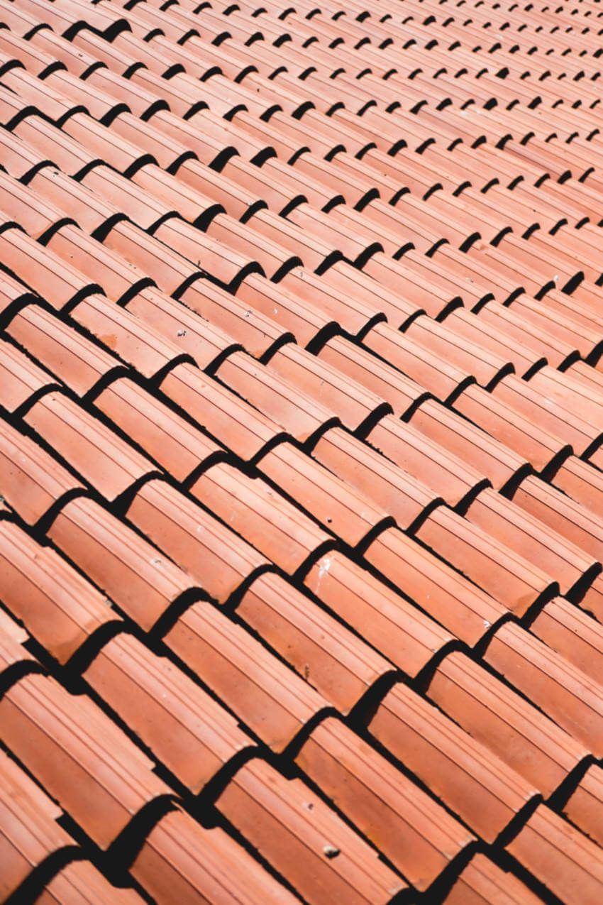 How To Choose The Right Roofing Contractor In 2020 Roofing Roof Roofing Contractors