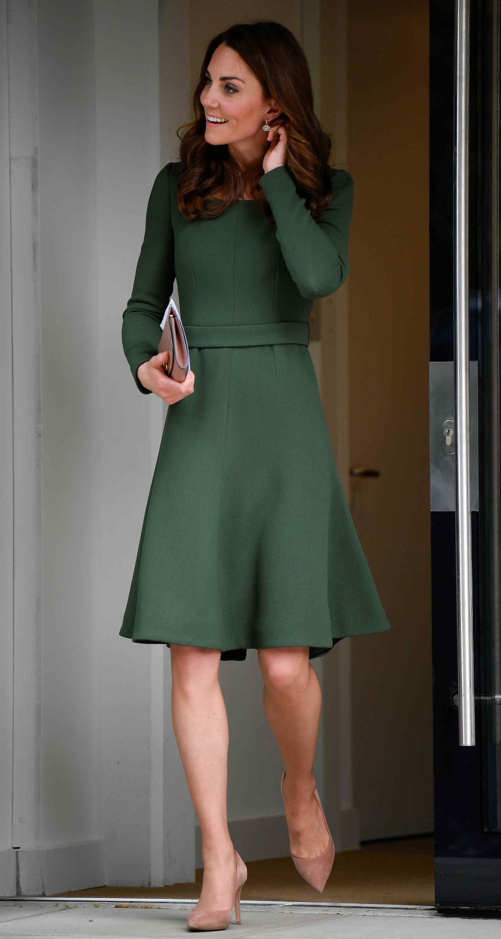 May 01 The Duchess Of Cambridge Opens Anna Freud Centre Of Excellence May012019 001 In 2020 Kate Middleton Style Outfits Princess Kate Style Kate Middleton Outfits