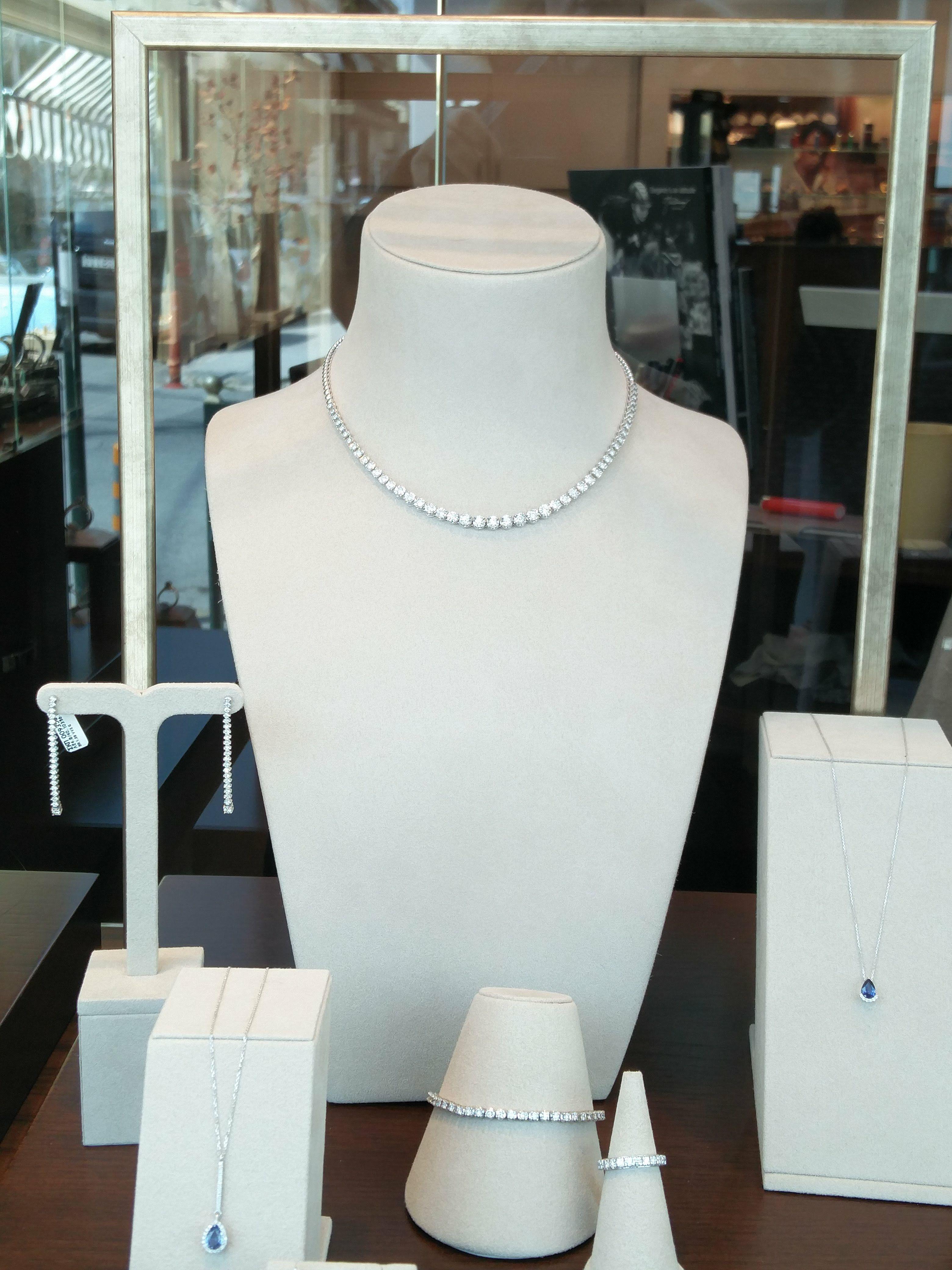 d83d3d1b1c Diamond necklace κολιέ ριβιέρα με διαμάντια ή μενταγιόν με ορυκτές πέτρες  http   tsaldaris