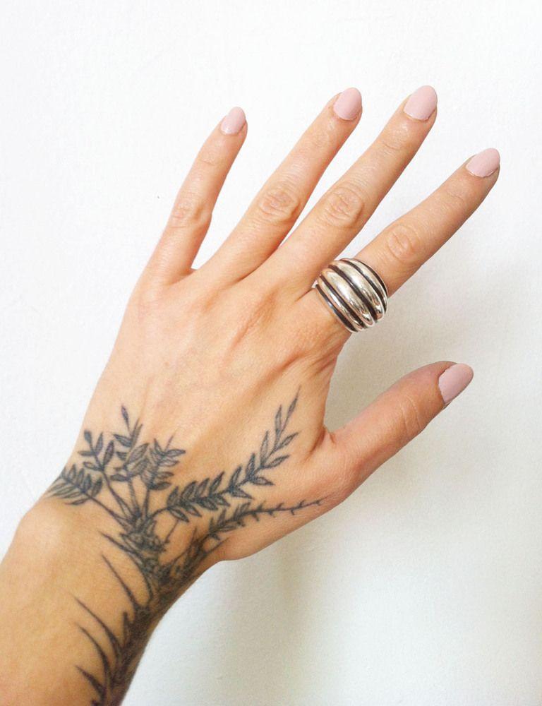 tatuagem com ramos pela mão | t a t t o o | pinterest | tatouages