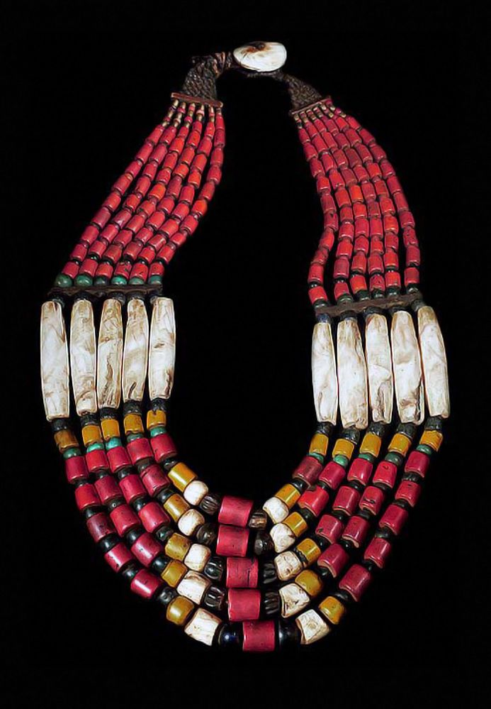 India | Shell, bead, metal and fiber necklace from Nagaland | POR
