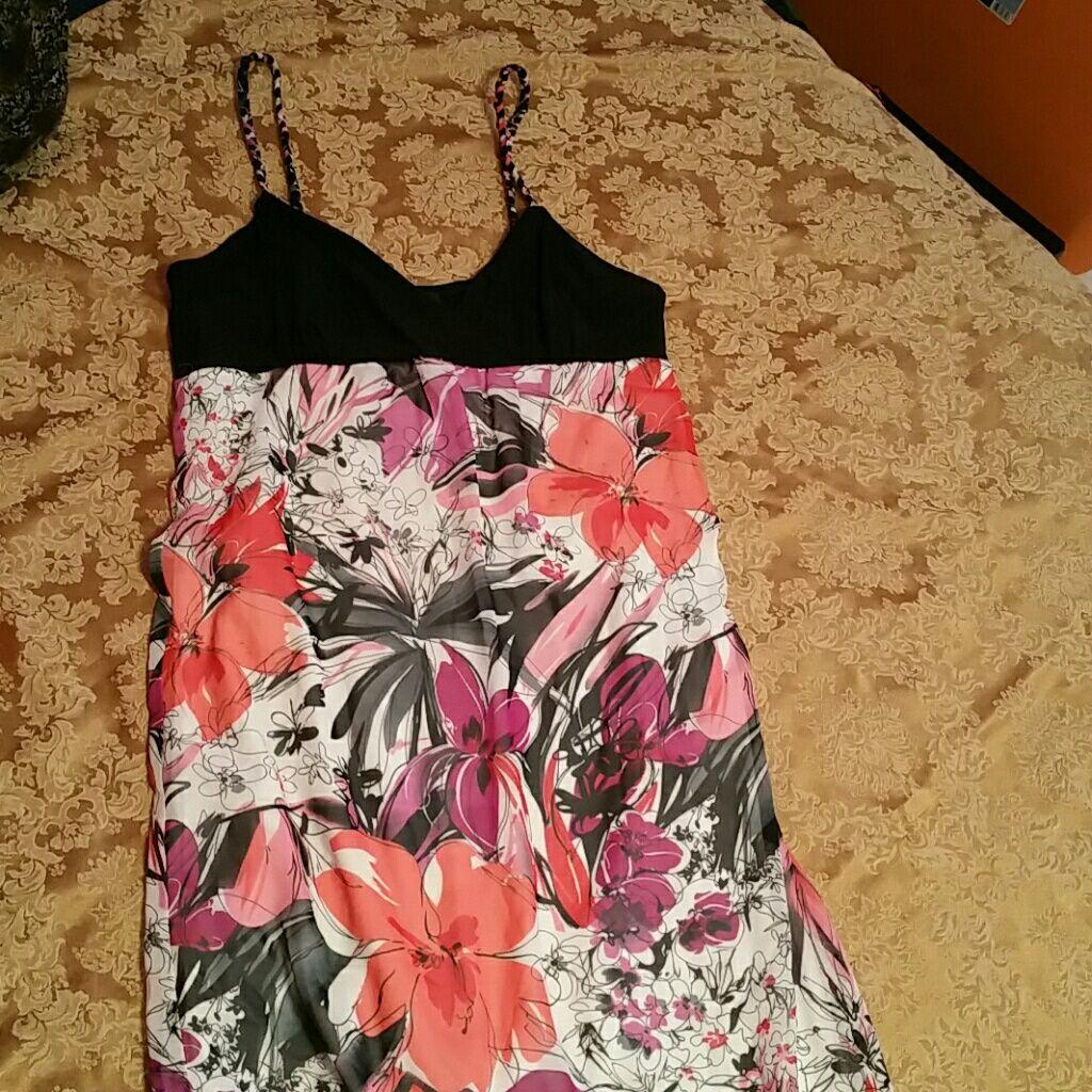 Scarlett Floral Chiffon Maxi Dress